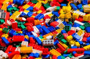 LEGOS horizontal